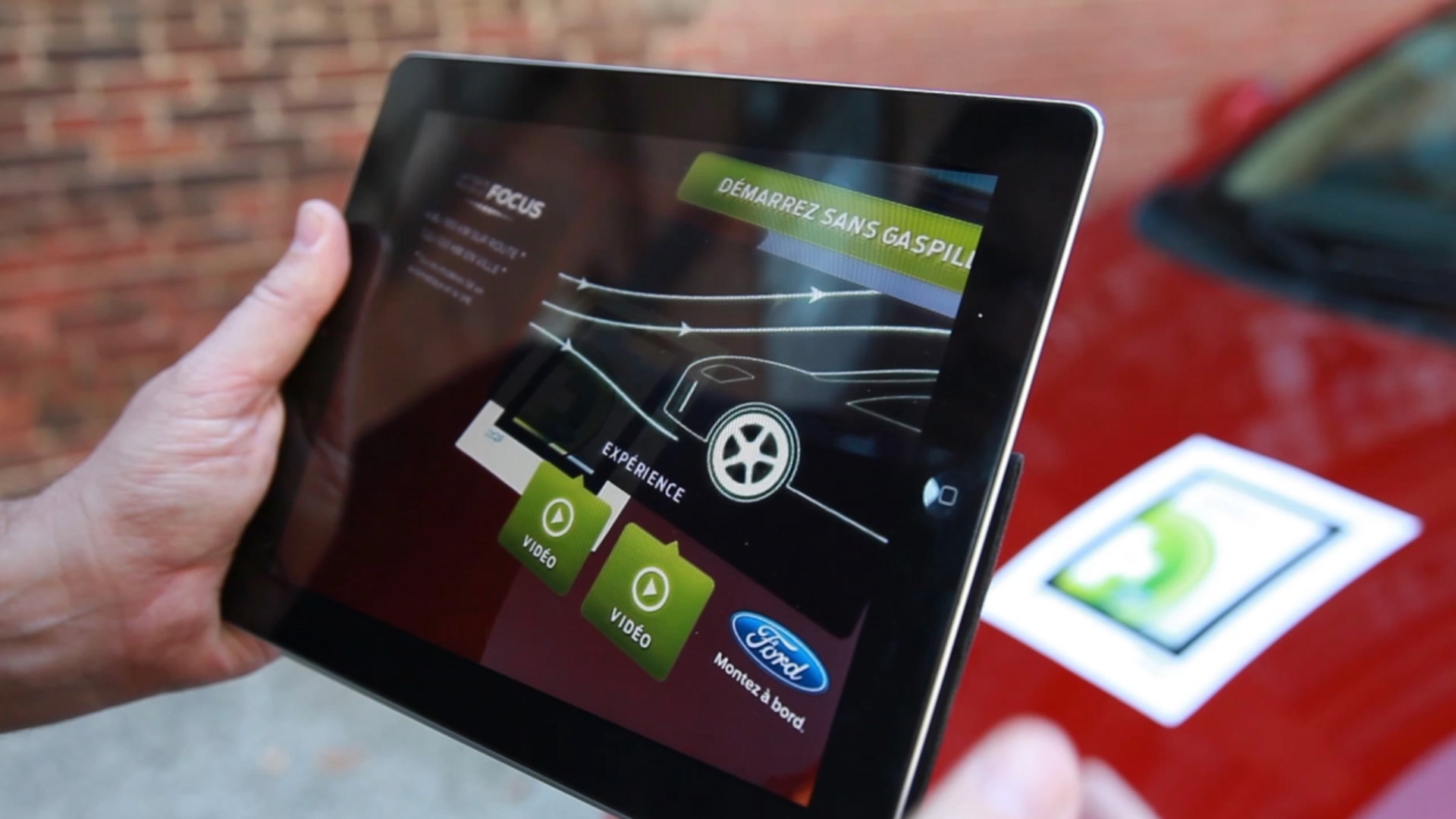 MOBILE AUGMENTED REALITY FORD FOCUS (2015)