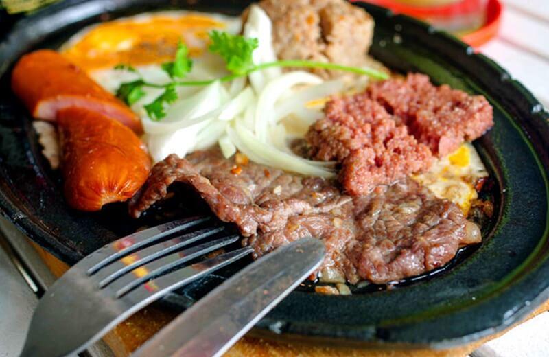 Cách làm bò bít tết kiểu Việt Nam đơn giản