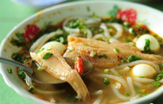Hướng dẫn cách nấu món bánh canh cá lóc hấp dẫn
